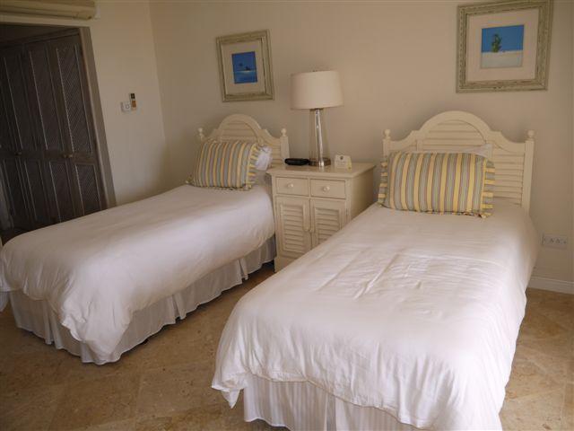 RV12 - Bedroom 2