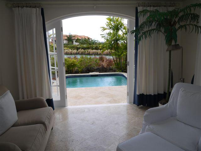 RV12 - Master Bedroom - Plunge Pool