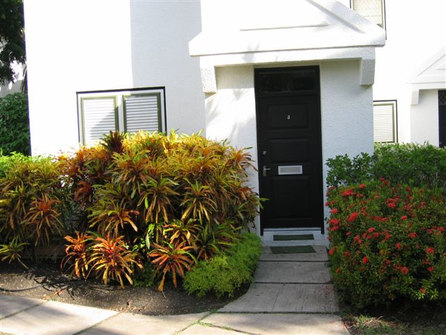 3HH - 0489 Front Door May 15, 2008