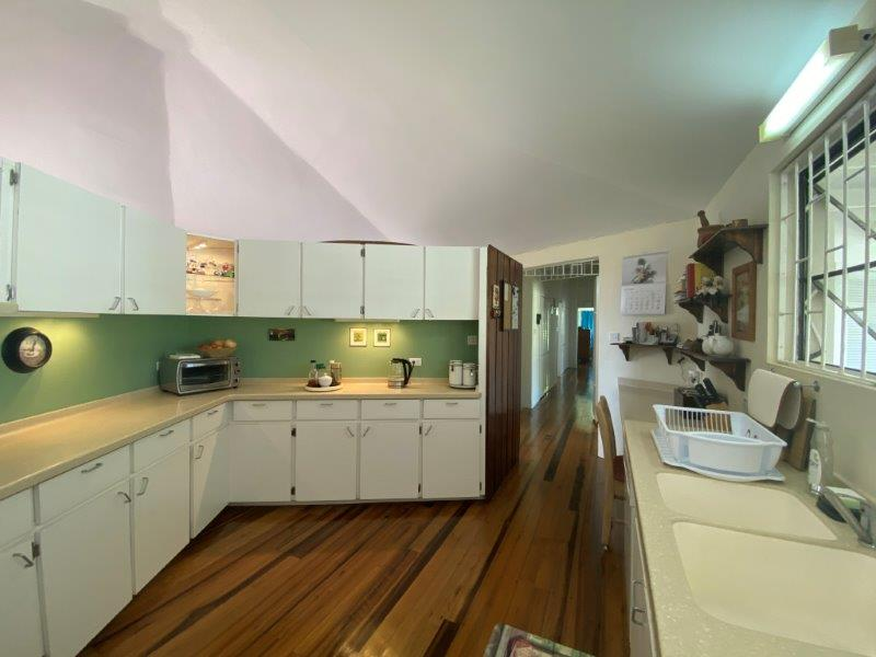 Locust Hall 8_kitchen2