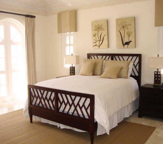 Mahogany-Drive-8-bed-2