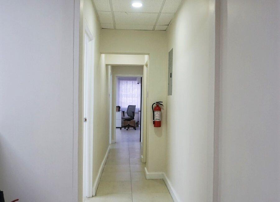 D&C 1000 sq.ft. office 08