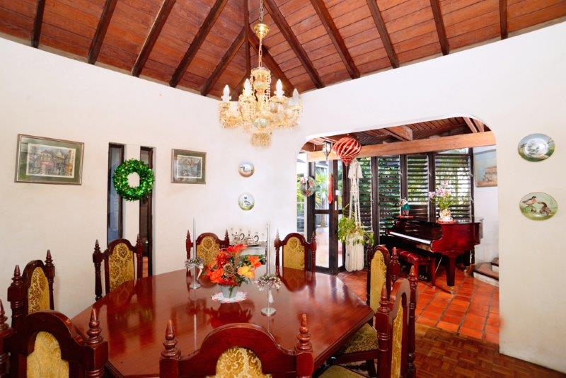 Grand View Heights 6 6 Dining-Room